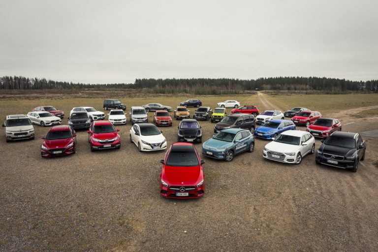 Päivän kuva: Tässä joukossa on Vuoden Auto Suomessa 2019!