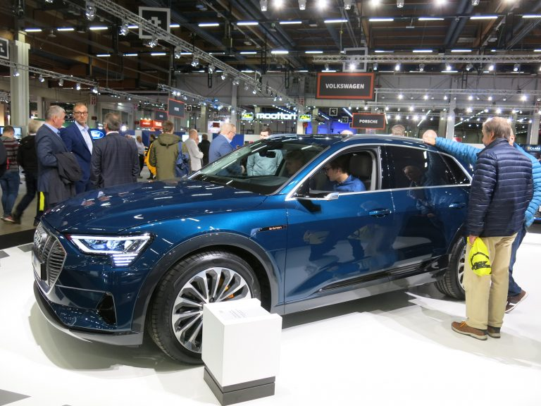 Audin uunituore sähköauto nyt esillä Auto 2018 -tapahtumassa