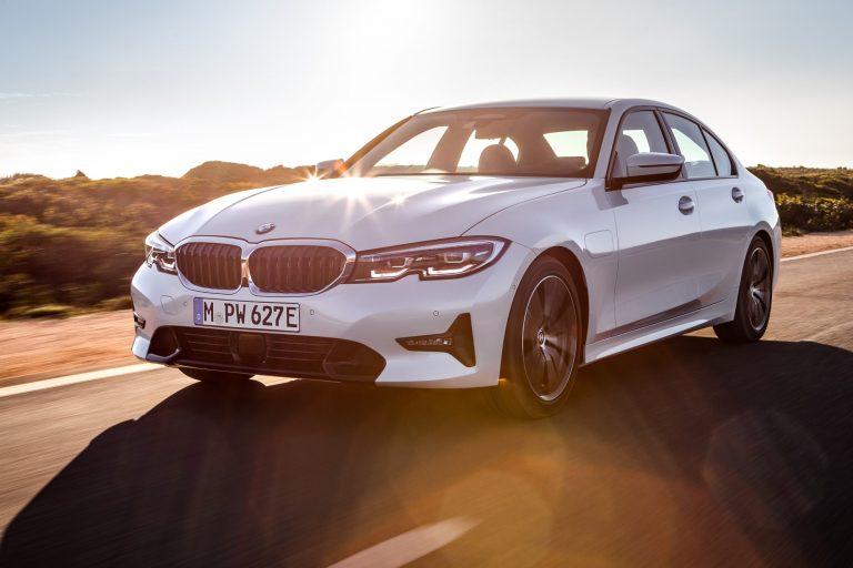 Tällainen ladattava BMW 330e Plug-in Hybrid Sedan tulee ensi kesänä