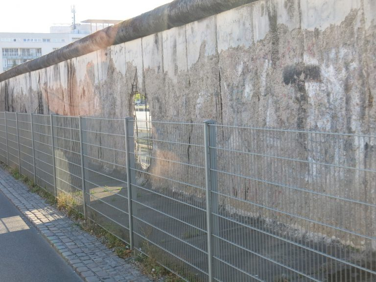 Päivän kuva: Berliinin muurin viimeisiä pätkiä surkeassa kunnossa