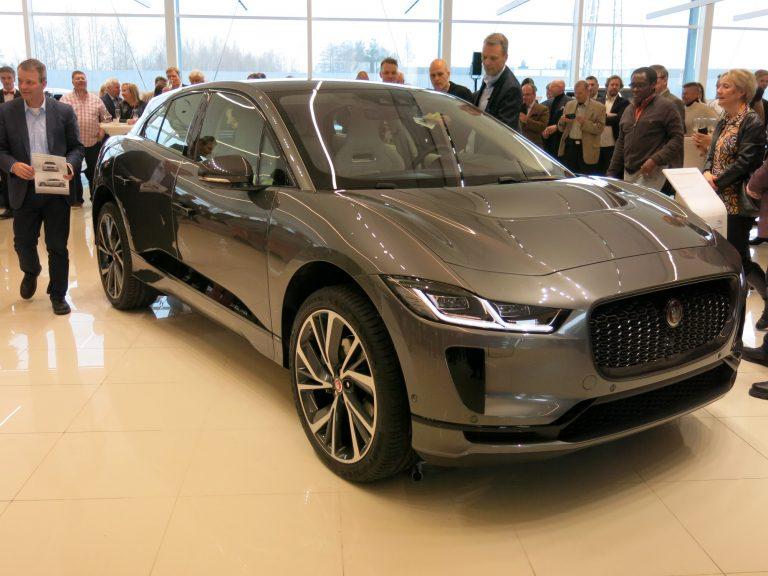 Ongelmia akkujen toimituksessa keskeyttää Jaguarin sähköauton tuotannon