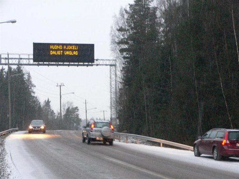 Harva suomalainen harkitsee luopuvansa autostaan