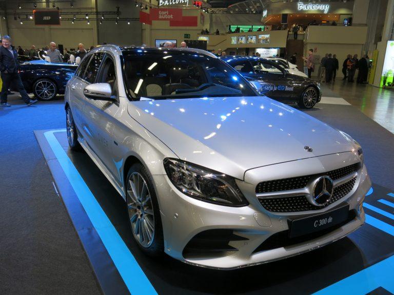 Mercedes-Benzin ladattava diesel-hybridi esillä Auto 2018 -tapahtumassa