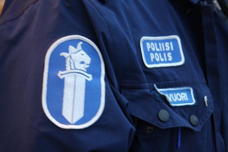Vasta 15-vuotias huumekuljettaja jäi kiinni poliisin ratsiassa