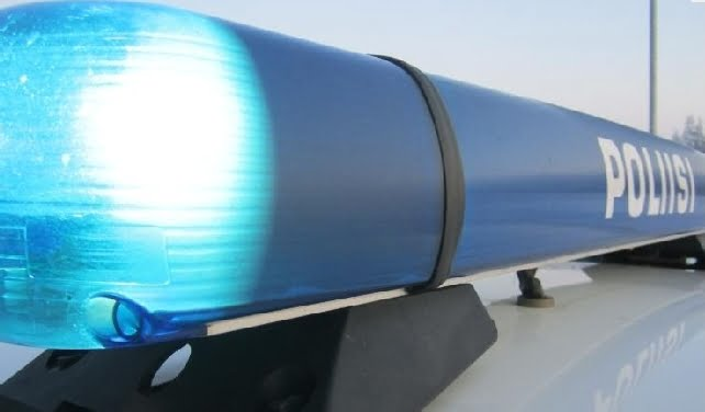 18-vuotias rattijuoppo ajoi poliisia karkuun — pakomatka päättyi ulosajoon