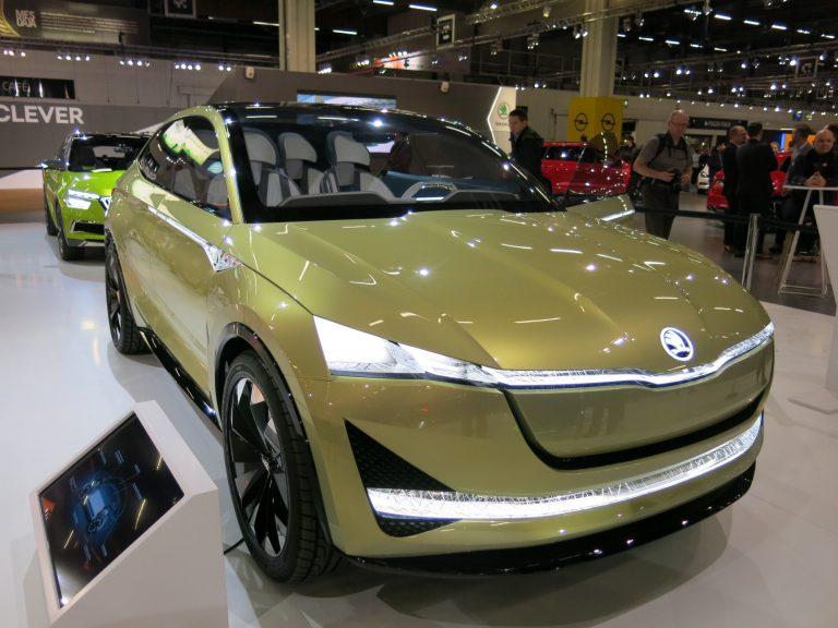 Škodan futuristinen konseptiauto Vision E esillä Helsingissä