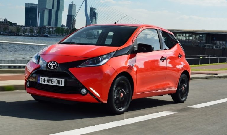 Toyota julkaisi tänään kaksi tarkastuskampanjaa – Suomessa on 2 876 tarkastettavaa autoa