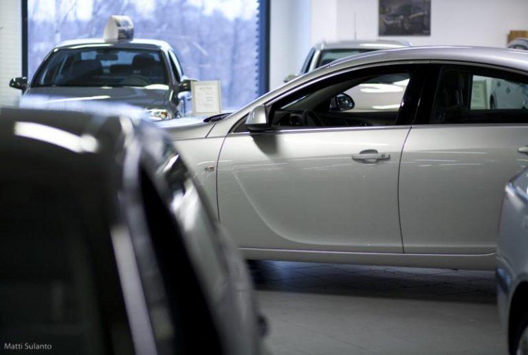 Autotoday 10 vuotta sitten: Autojen ensirekisteröinti vähentynyt rankasti