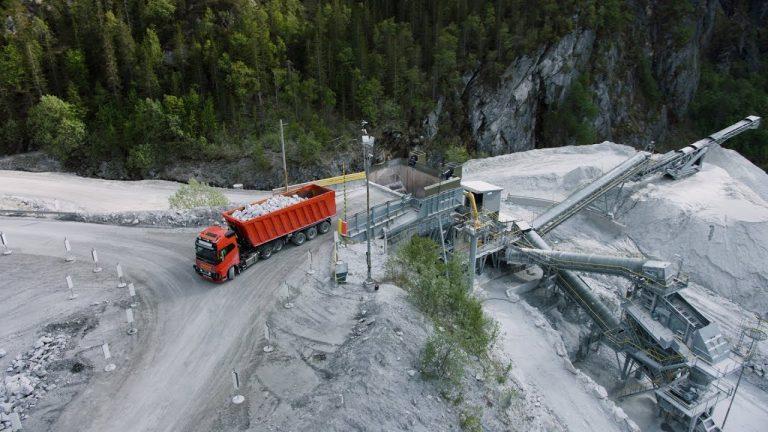Volvo Trucksin ensimmäinen kaupallinen robottiautojärjestelmä testikäytössä