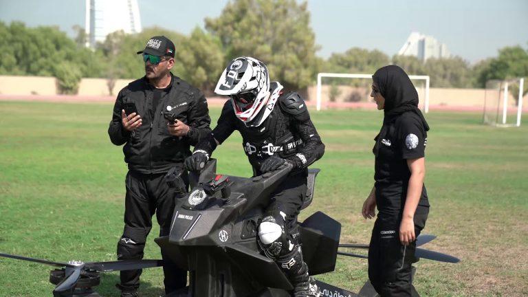 """Päivän poliisiauto: Dubain """"lentävälle"""" poliisille päivitetty kulkupeli"""