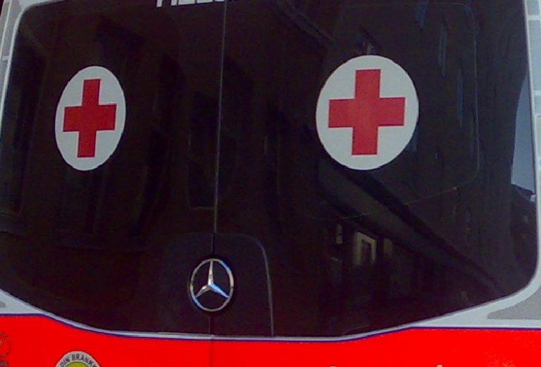 Kaksi ihmistä kuoli ja kaksi loukkaantui vakavasti kolmen auton kolarissa