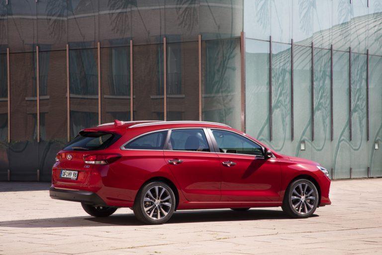 Hyundai tuo i30 Wagon -mallistoon pari uutta dieselmoottorivaihtoehtoa