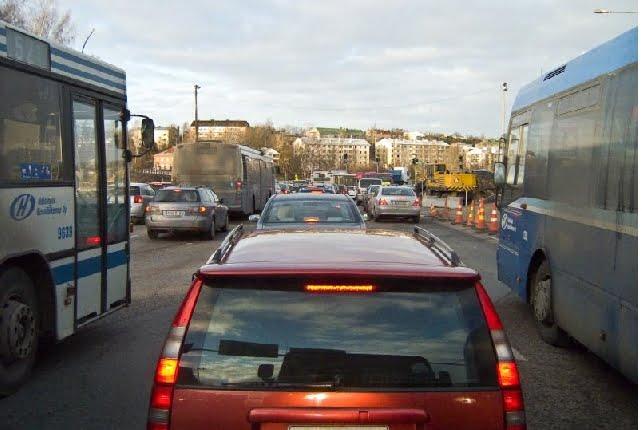 Näin liikenne- ja kuljetusalan toimijat haluavat vähentää päästöjä — keinoina muun muassa kilometrivero