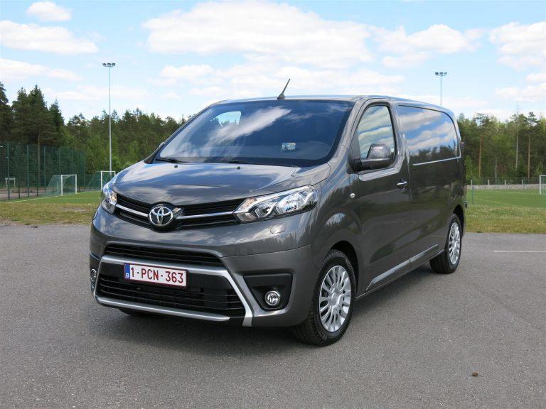 Toyota julkaisi tänään viisi tarkastuskampanjaa — Suomessa asia koskee 3 482 autoa