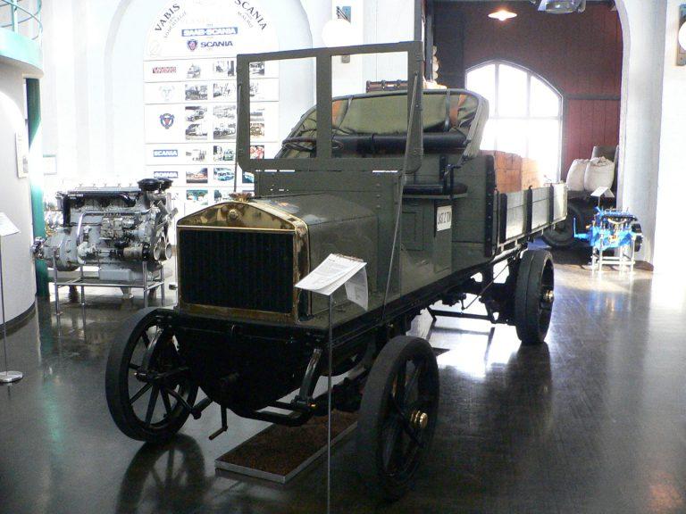 Päivän museoauto: Vuonna 1909 valmistunut kahden tonnin kuorma-auto