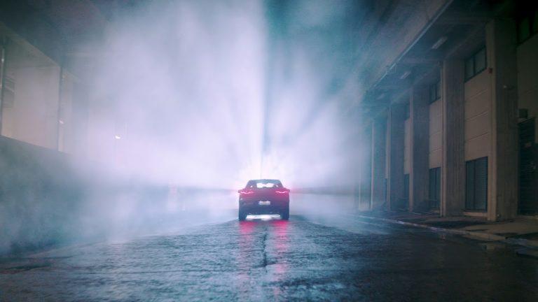 Helsinki näyttävästi esillä Jaguarin sähköauton mainosvideolla