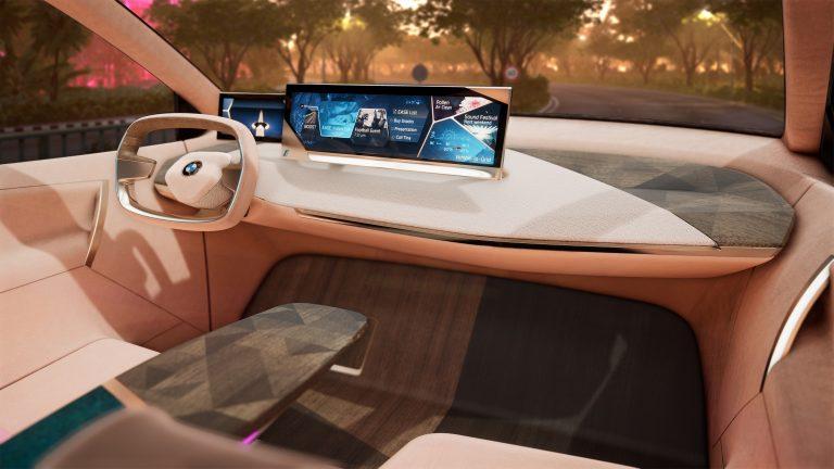 CES-messuilla pääsee kokemaan BMW:n uuden ajamisen ilon ajanlaskun alkua