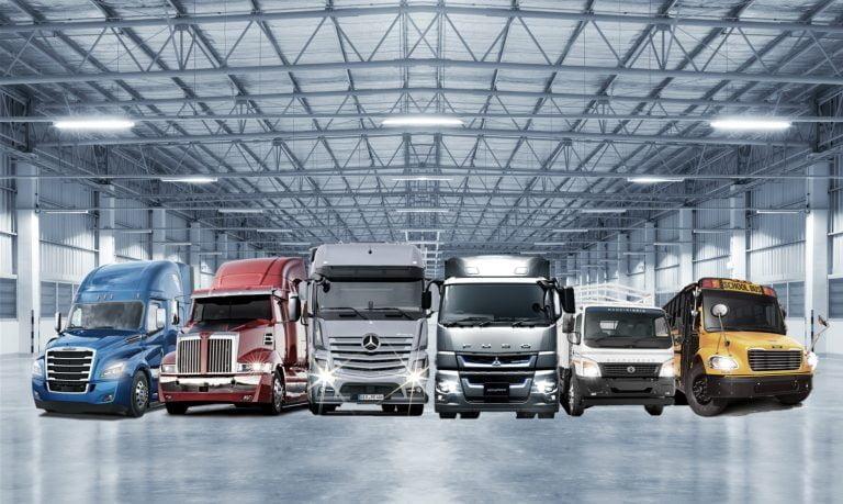 Daimler Trucksin liikevaihto 40,2 ja liikevoitto 2,5 miljardia