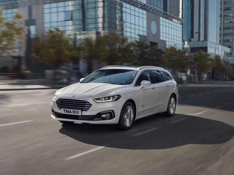 Ford julkisti Brysselissä uuden Mondeon ja farmarimallin hybridin