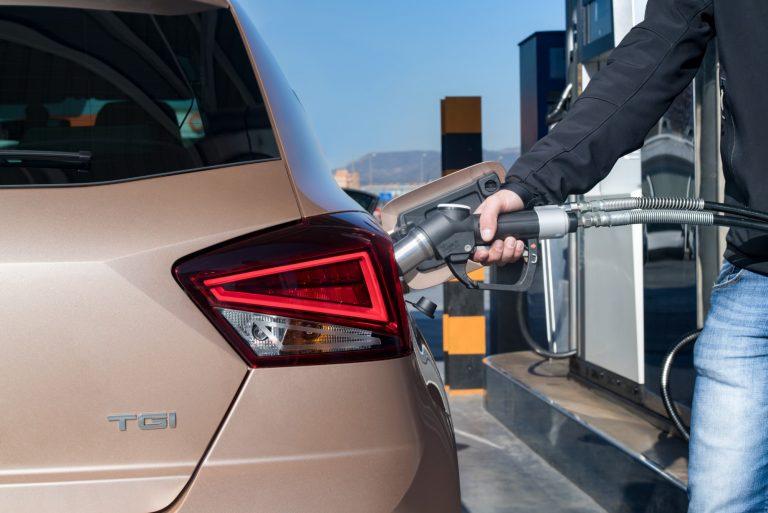 Uusien kaasuautojen määrä melkein kaksinkertaistui viime vuonna — käytettyjäkin tuotiin merkittävä määrä