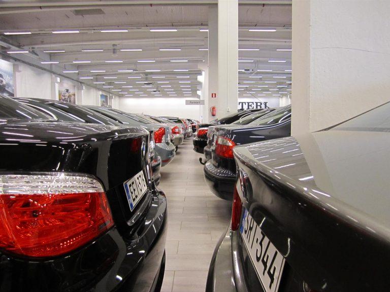 Ensirekisteröintien väheneminen vanhentaa autokantaa