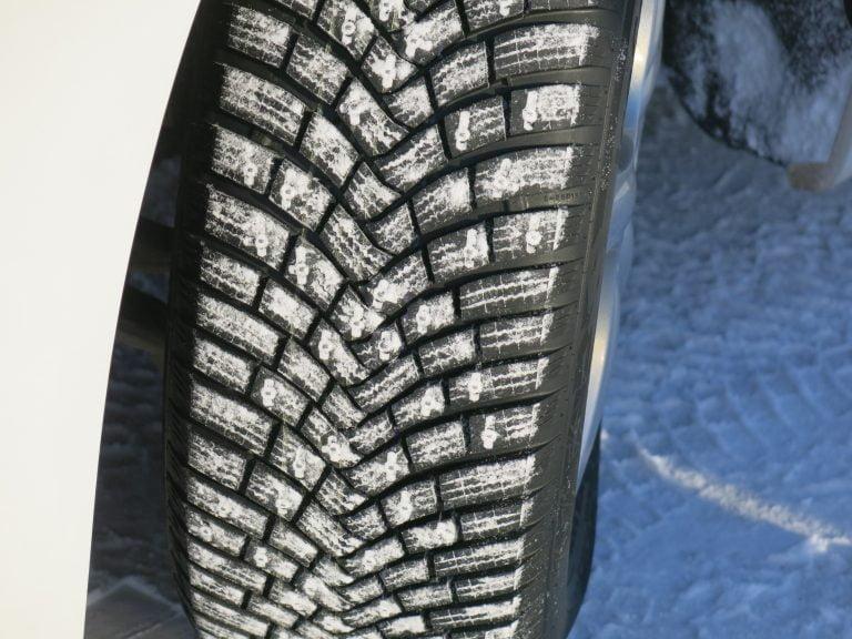 Continental vetää varotoimenpiteenä markkinoilta yli 11 000 nastarengasta — tarkista tästä, onko autossasi tällaiset renkaat