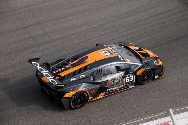 Juuso Puhakka ajoi toiseksi Lähi-idän Lamborghini-sarjassa