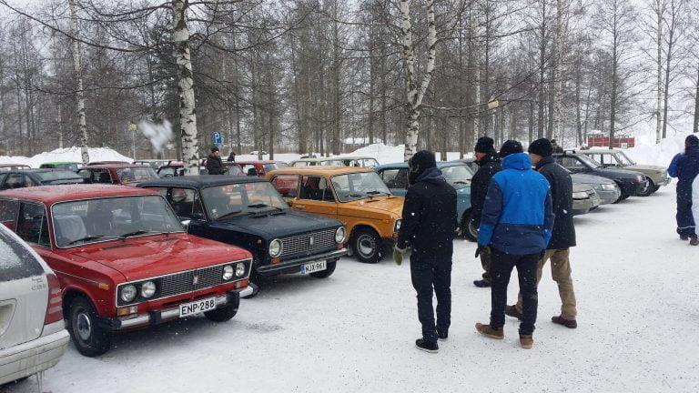 Lada-kansa kokoontuu sunnuntaina Mobiliaan
