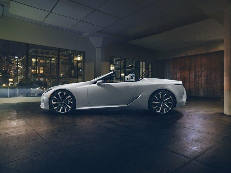 Tällaiset autot Lexus tuo Geneveen Euroopan ensiesittelyyn