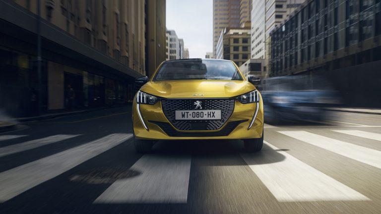 Vuoden Auto Suomessa -äänestys: Kilpailijat yhä kaukana Peugeot 208 -mallista