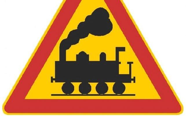Juna törmäsi pakettiautoon vartioimattomassa tasoristeyksessä Ilmajoella