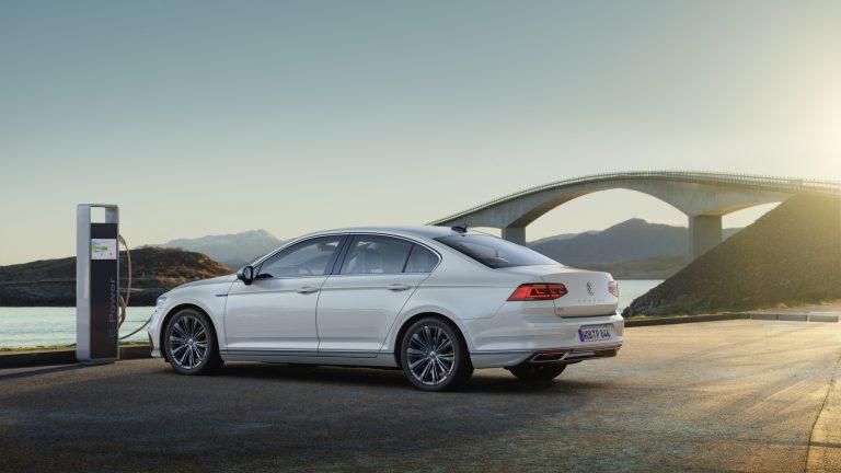 Genevessä esiteltävä uudistunut VW Passat antaa esimakua Passat-malliston tulevaisuudesta