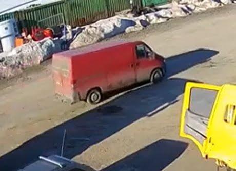 Poliisi kaipaa havaintoja tästä varkaiden käyttämästä pakettiatuosta — katso kuvat!