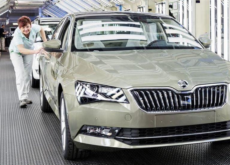 Nyt on valmistettu yli 500 000 viimeisintä Škoda Superbia