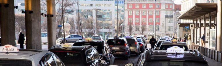 Merkittävä parannus Oslon sähköautotakseille — taksiasemille tulee langaton latausjärjestelmä