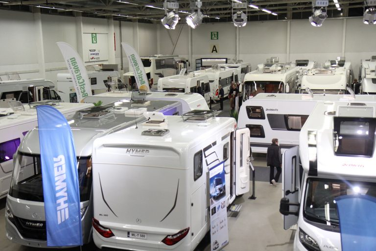 Hurja kasvu matkailuautojen ja matkailuvaunujen myynnissä