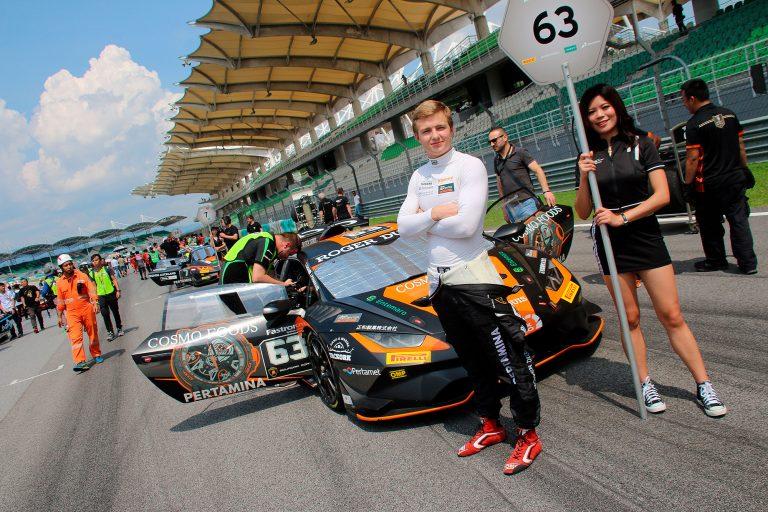 Lamborghini-sarja: Juuso Puhakka kaksi kertaa niukasti ulos palkintokorokkeelta Malesiassa