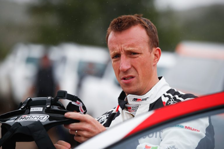 WRC: Kris Meeken johto kutistuu — kuusi parasta 11 sekunnin sisällä