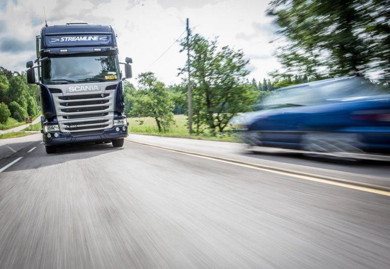 Ammattikuljettajat sanovat ei kaistavahdille — mutta kyllä kamerajärjestelmille