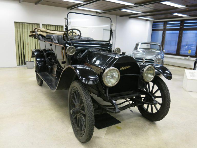Päivän museoauto: Yli 100-vuotias Studebaker