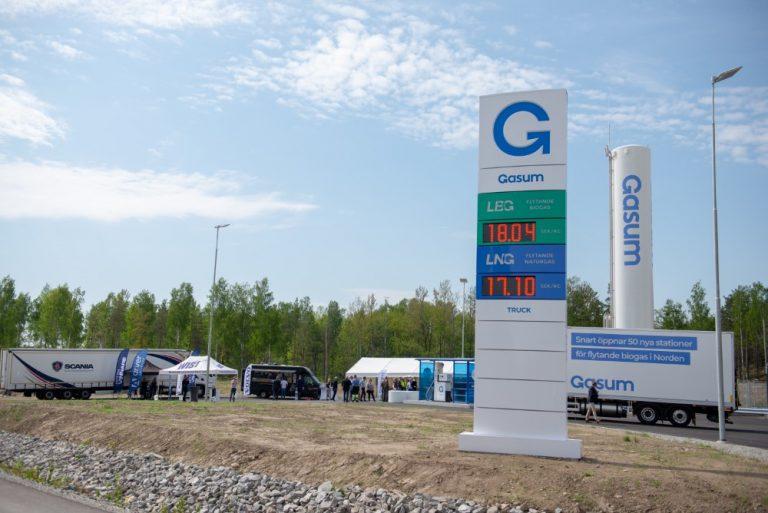 Gasumin Ruotsin ensimmäinen nesteytetyn maa- ja biokaasun tankkausasema avattiin