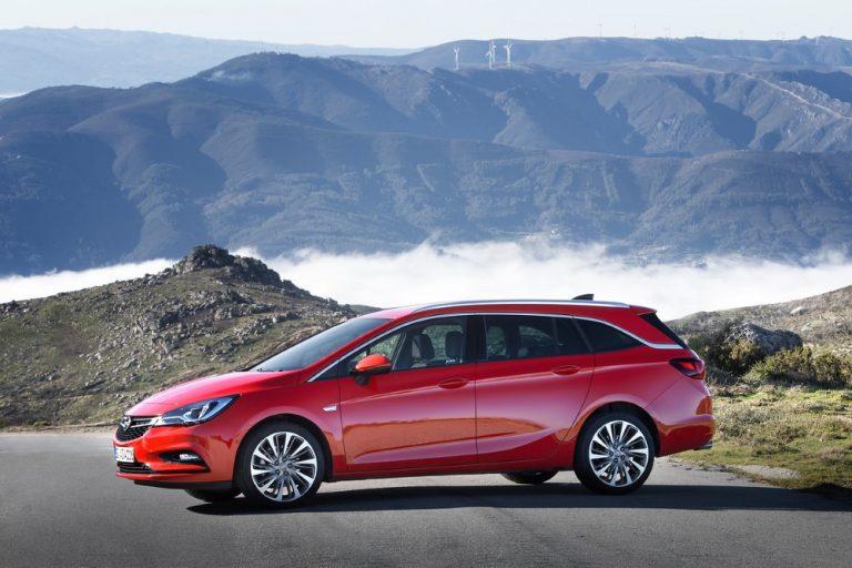 Opel parantaa Astra- ja Insignia-mallistonsa vakiovarustelua ja pidentää koko mallistonsa takuuta