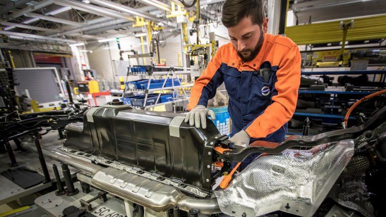 Akkujen saatavuus Volvon tuleviin sähköautomalleihin varmistettu