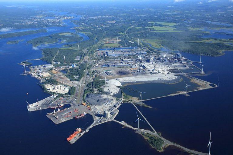 Tornion nesteytetyn maakaasun tuontiterminaali otettu käyttöön