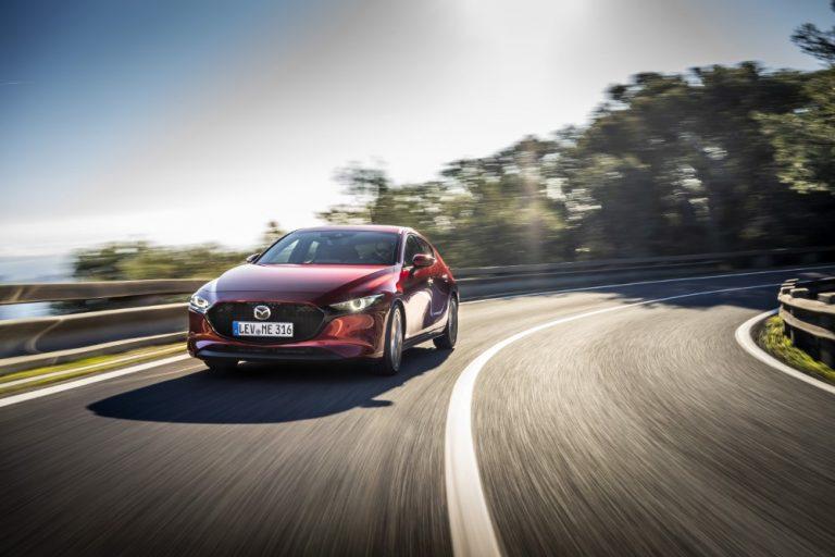 Mazdan uuden Skyactiv-X-moottorin myynti alkaa — moottorissa yhdistyy bensiini- ja dieselmoottorin edut