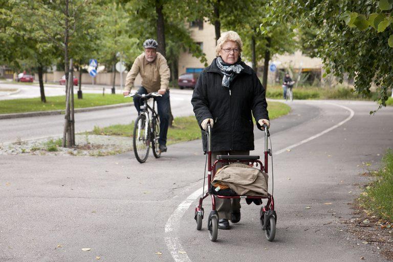Liikenne- ja viestintäministeriö ja Traficom edistävät kävelyä ja pyöräilyä 3,5 miljoonalla
