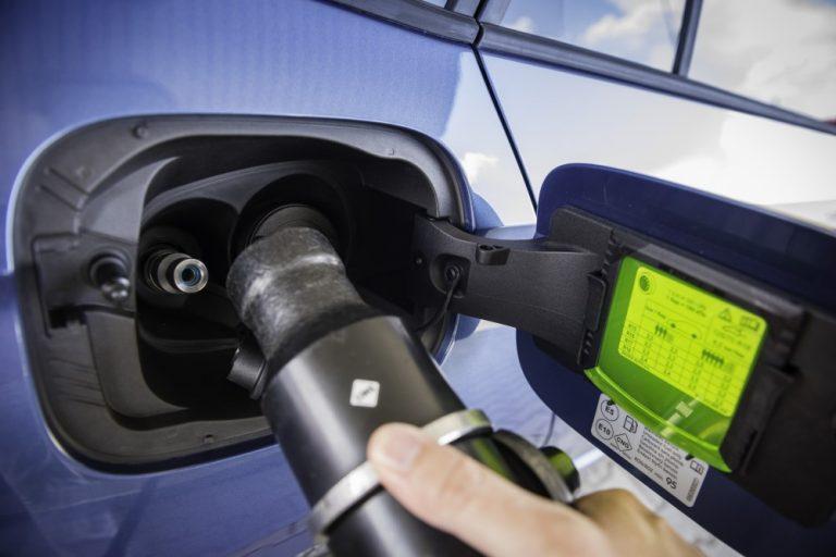Kaasuautoilun tulevaisuus hyvin epävarma — VW-konserni lopettaa kaasuautojen kehittämisen