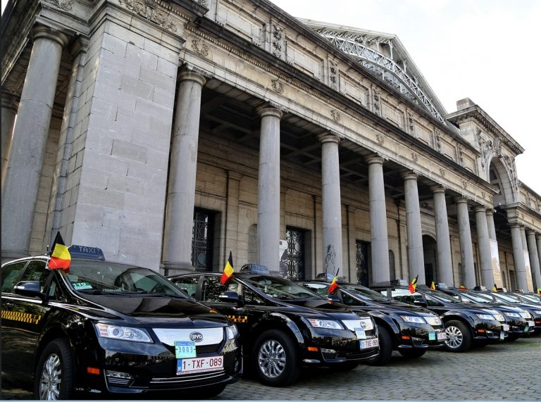 Päivän taksiauto: 34 sähköautotaksia Brysselissä