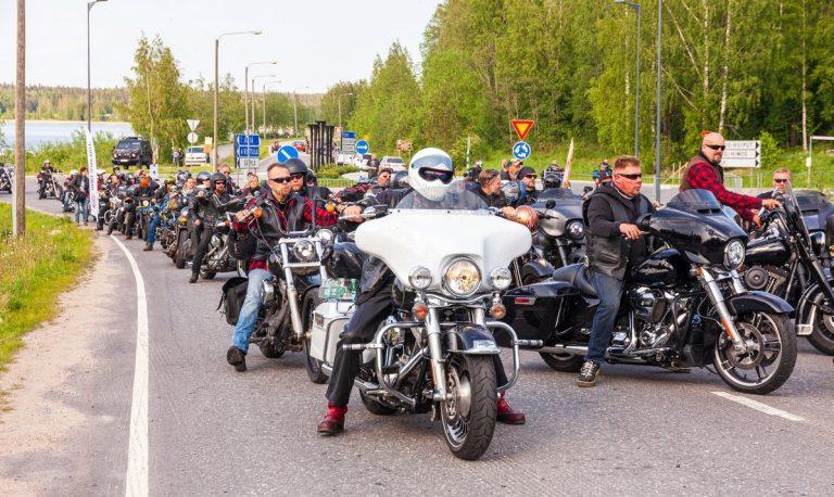 Harley-Davidson-kerho paheksuu poliisin ylimitoitettua toimintaa Himoksen moottoripyörätapahtumassa