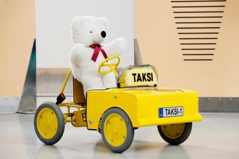 Päivän taksiauto: Mobilian Rahtarit-liikennepuiston taksi